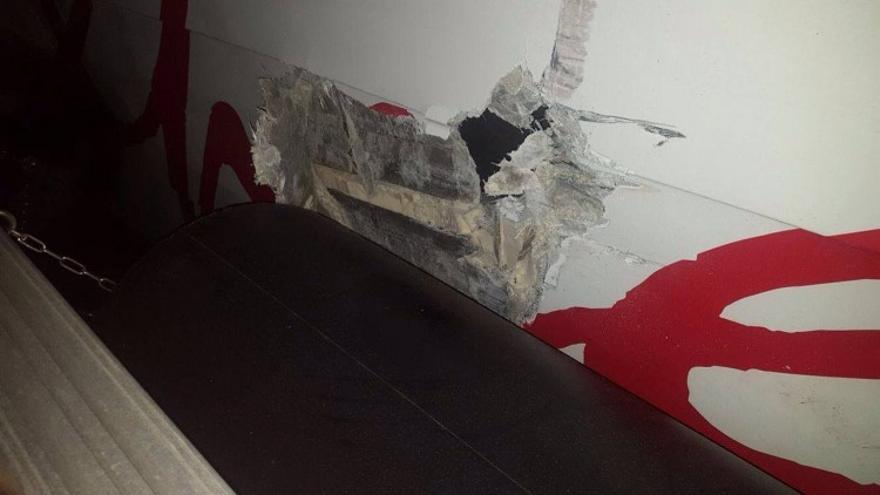 Daño en el casco de estribor del 'Benchi Express'
