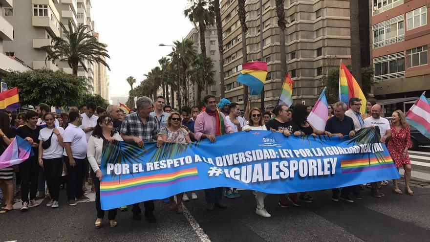 Representantes políticos en la marcha #Orgullo2017 de LPGC.