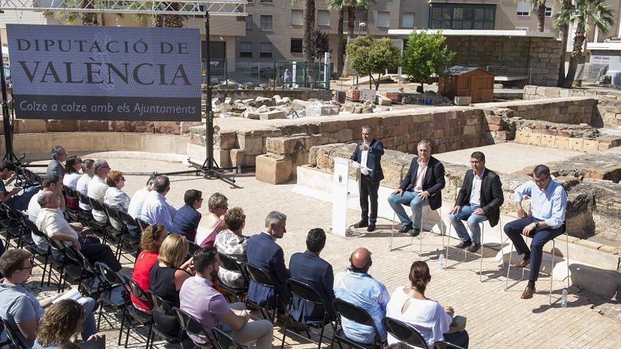 Jorge Rodríguez, Javier Guillén i Manuel Civera en la presentació de les etapes de la Vuelta que pasaran per la província