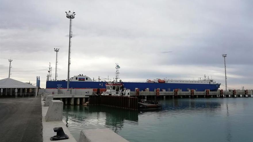 Nazarbáyev presenta Kuryk, puerto clave para el transporte transcaspio