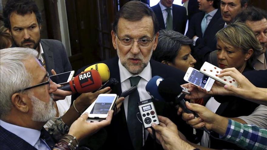 Rajoy felicita a la Guardia Civil por las detenciones de ETA y espera su disolución