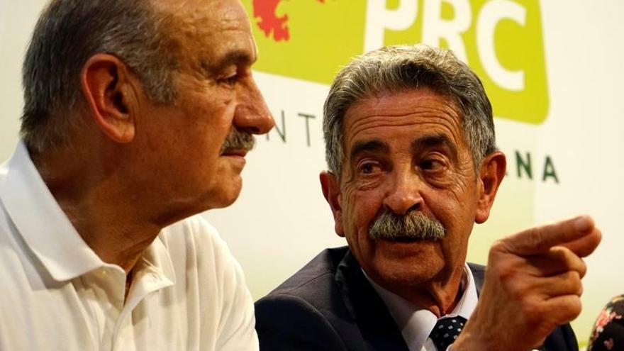 Revilla gana por vez primera las elecciones en Cantabria