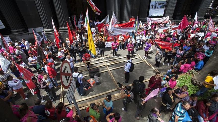 Los Sin Techo ocupan el apartamento por el que Lula fue condenado a prisión