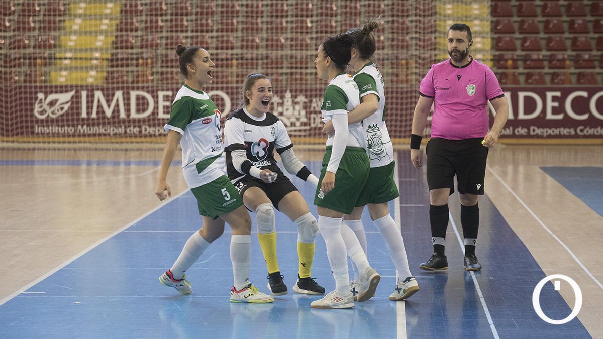 Ceci Moreno celebra un gol del Deportivo Córdoba