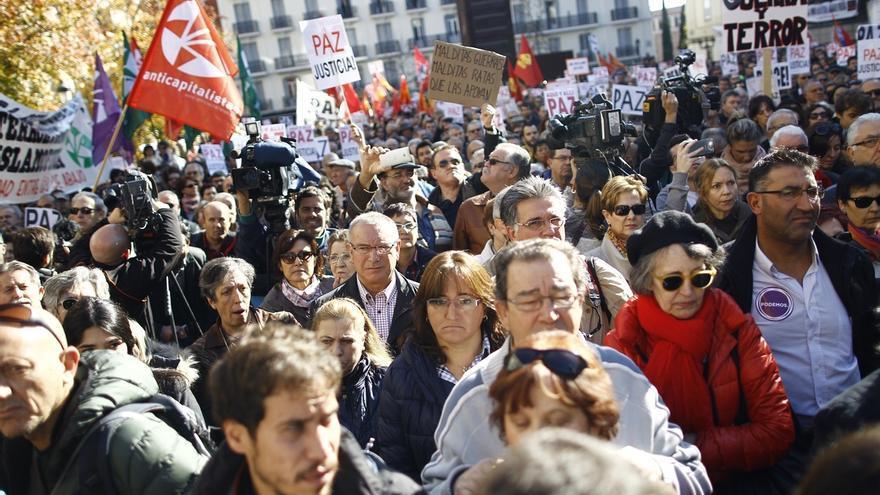 Varios centenares de personas rechazan en Madrid una intervención española en Siria