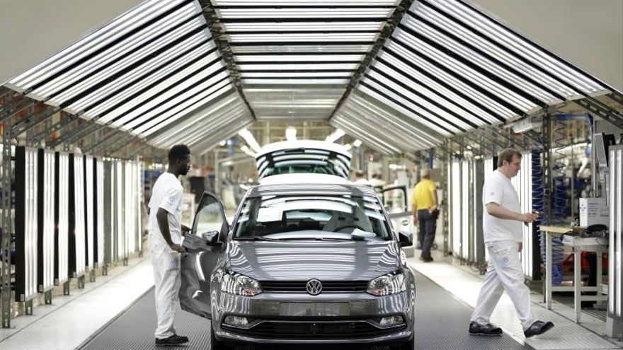 Un nuevo vehículo preparado para salir de la planta de Volkswagen Navarra.