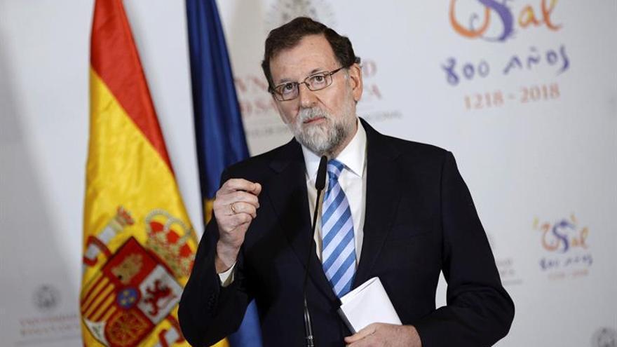"""Rajoy cree que Puigdemont y ERC admiten ahora """"grandes mentiras"""" del proceso"""
