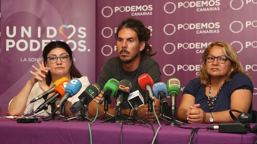 Carmen Valido, Alberto Rodríguez y Meri Pita. (ALEJANDRO RAMOS)