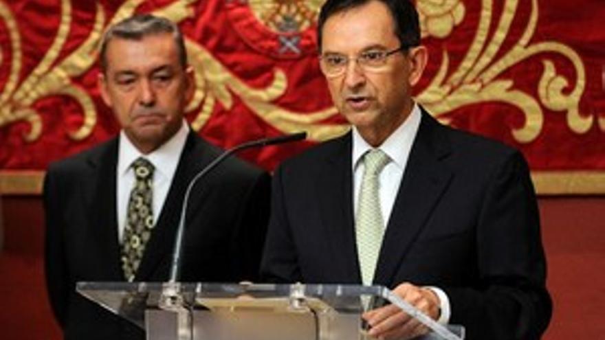 Antonio Castro con Paulino Rivero, el pasado 6 de diciembre.