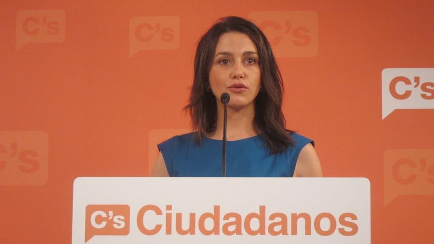 """Arrimadas (C's) tacha de """"esperpento"""" la situación en Cataluña y pide elecciones"""