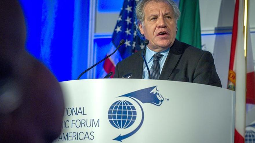 """La """"crisis de confianza"""" en las instituciones debilita la democracia en América Latina"""
