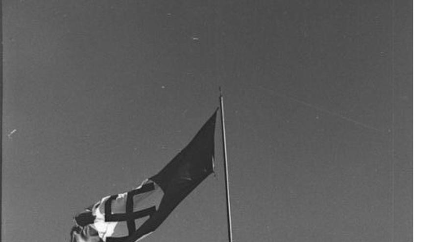 La bandera nazi, en la Acrópolis.