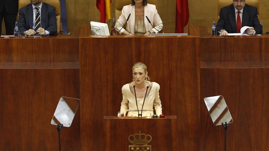 """Cifuentes pide a PSOE y a Podemos que entiendan que esta es una legislatura """"diferente"""" y recalca su voluntad de acuerdo"""