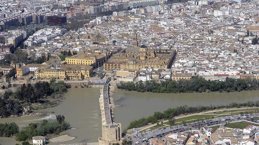 Vista aérea de la ciudad de Córdoba | TONI BLANCO