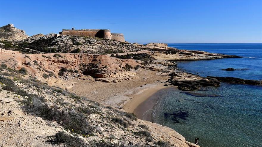 Un castillo del cabo de Gata almeriense, a la venta en internet