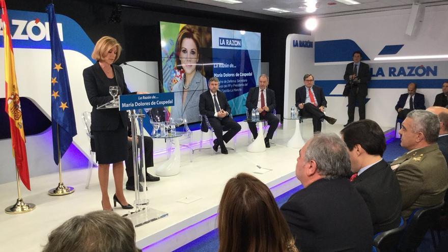 Cospedal anuncia  medidas contra la desinformación en La Razón. Foto publicada en su perfil de Twitter