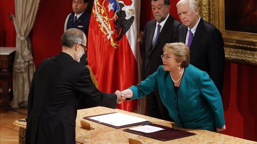 Empresarios chilenos desean que el nuevo ministro de Hacienda reactive la economía