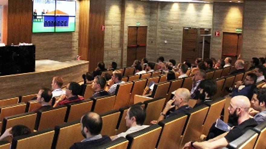Un momento del 3º Encuentro de Informática Industrial de Alicante (#EIIA16) celebrado en Elche