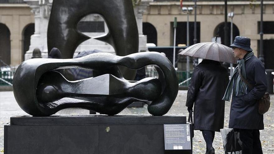 """Seis esculturas de Henry Moore convierten Pamplona en una """"galería de arte"""""""