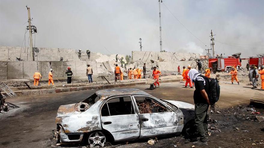 Ataque con coche bomba cerca de la mayor base estadounidense en Afganistán