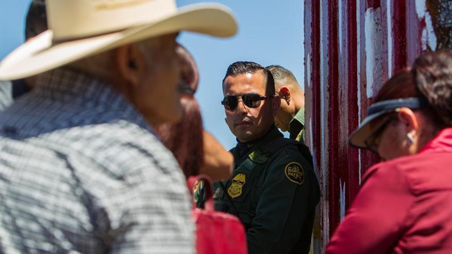 Baja en abril la cifra de inmigrantes que cruza la frontera entre EE.UU. y México