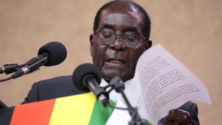 Mugabe critica a los jueces de Zimbabue por permitir las protestas contra su Gobierno