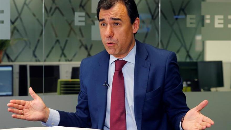 """Maillo asegura """"absoluta tranquilidad"""" en el PP con el presidente murciano"""