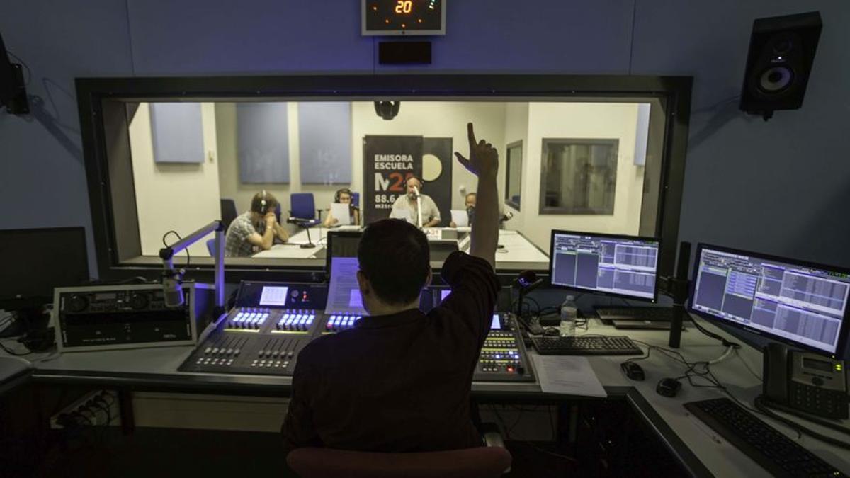 Estudio de la radio del Ayuntamiento de Madrid Emisora Escuela M21.