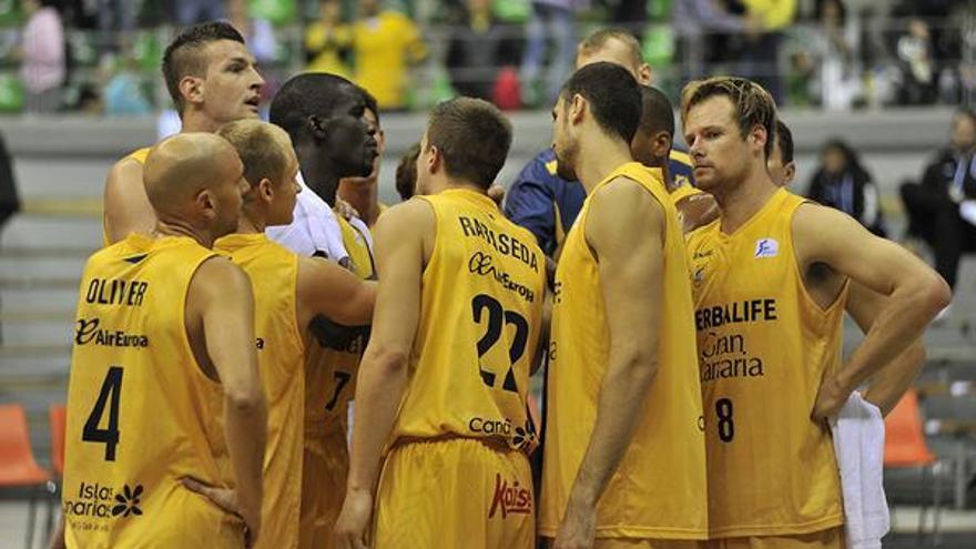 Los jugadores del Herbalife Gran Canaria. (twitter oficial del Club de Baloncesto Gran Canaria).