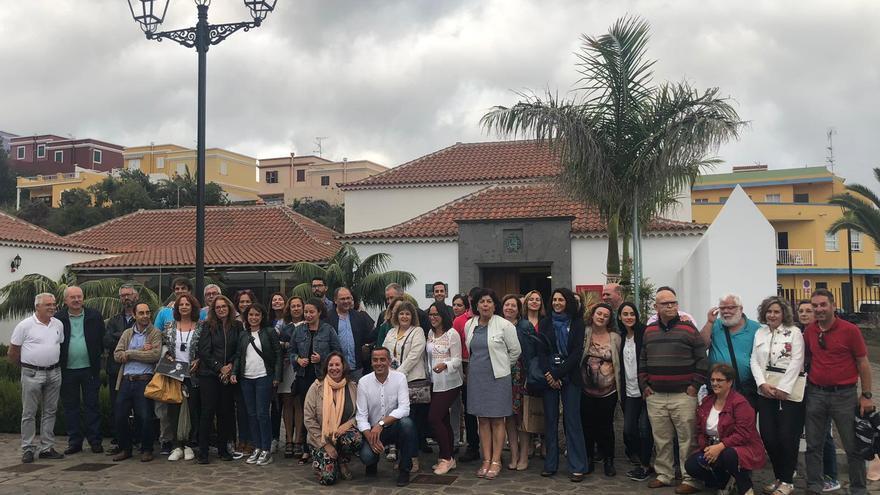 Soledad Monzón con el Colectivo de Escuelas Unitarias.