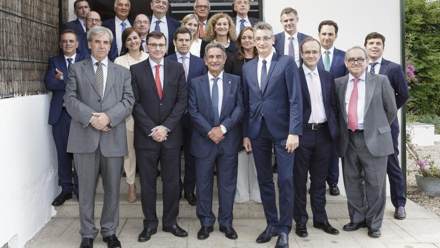 """Revilla pide al Consejo General de Notarios que """"levante acta"""" de la importancia de Liébana como origen de España"""