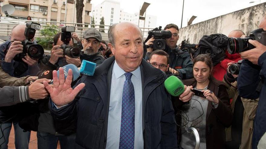 Citan a declarar como investigado al exalcalde de Granada por el caso Serrallo
