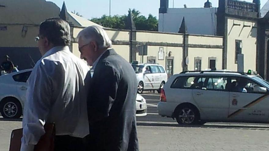 Suárez Gil, a su salida del Palacio de Justicia de Las Palmas de Gran Canaria.
