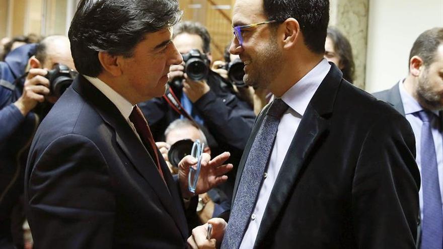 """El PP pide a Rivera que deje de atacar a Rajoy y de ser """"escudero"""" de Sánchez"""