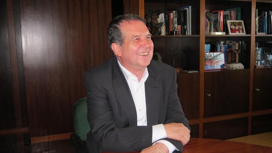 """Caballero: """"Paco Vázquez fue un gran alcalde, pero yo me veo más en el espejo de Tierno Galván y Maragall"""""""