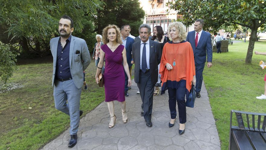 Revilla y Díaz Tezanos junto al director de cine Nacho Vigalondo.