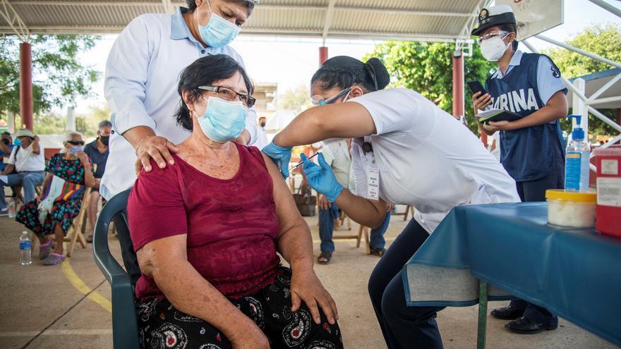 México suma 13.853 contagios nuevos y 341 muertos de covid-19