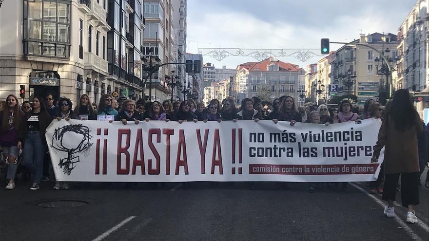 Más de un millar de personas reclaman en Santander el fin de la violencia de género