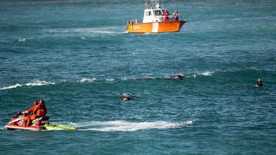 Hallan el cuerpo de un joven que desapareció mientras se bañaba en A Coruña