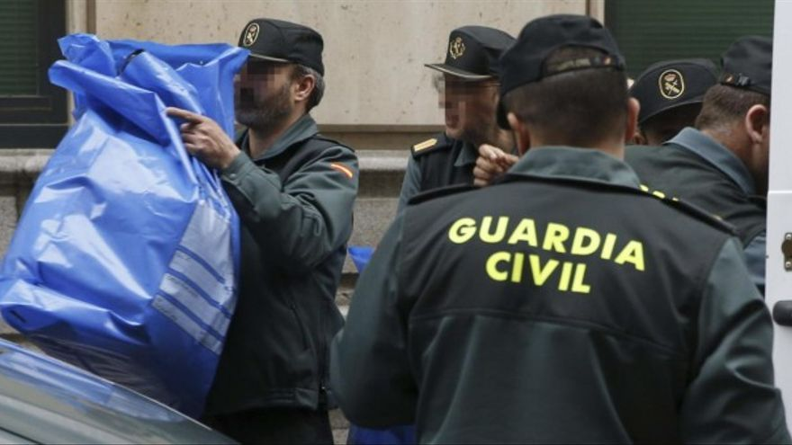 Agentes de la Guardia Civil en Catalunya