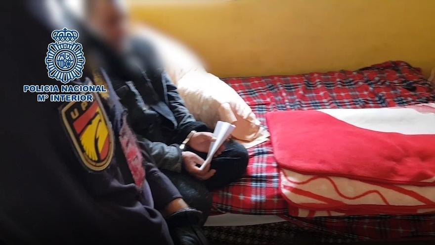 La Policía Nacional desmantela una red que secuestraba a menores inmigrantes no acompañados llegados en patera