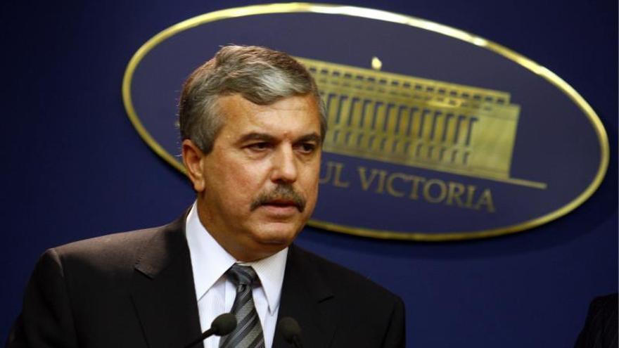 El ministro rumano del Interior, Dan Nica, habla durante una rueda de prensa mantenida en Bucarest (Rumanía), el 1 de octubre de 2009.