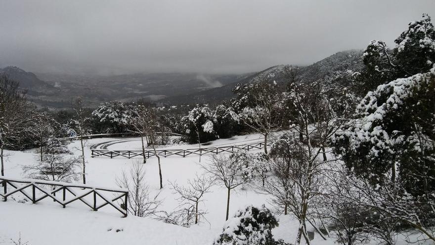 Parque Natural de la Font Roja de Alcoi amanece nevado
