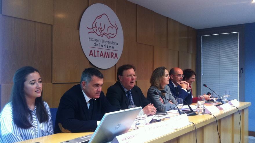 2.500 denuncias de pisos turísticos ilegales en cinco años en Cantabria y 600.000 euros en sanciones