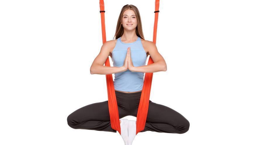 Columpio especialmente diseñado para hacer yoga aéreo