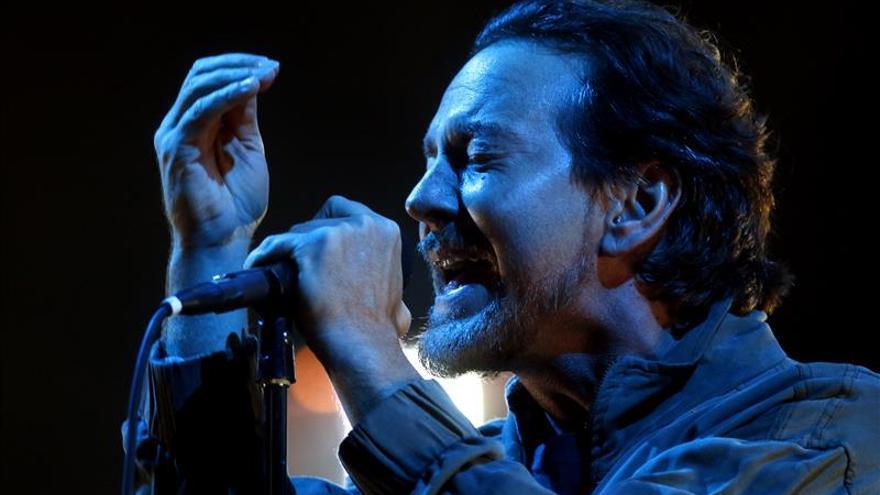 Pearl Jam pide sanción a responsables por tragedia ambiental en Brasil