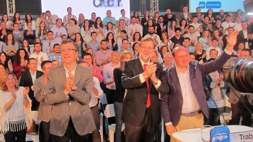 Se suspende el paseo electoral de Rajoy por el centro de Murcia debido a la lluvia