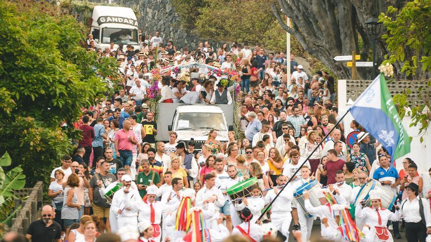 La romería reunió a miles de personas.