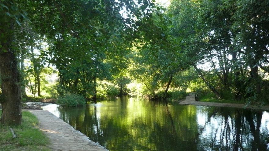 Complejo de las Piscinas Naturales del Río Gévora / www.lacodosera.es
