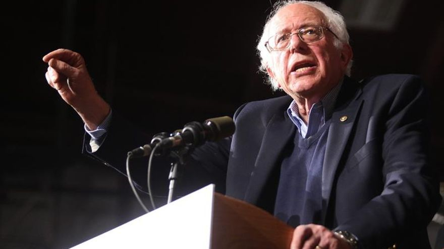 Sanders suaviza el tono con Clinton y la ve cualificada para ser presidenta